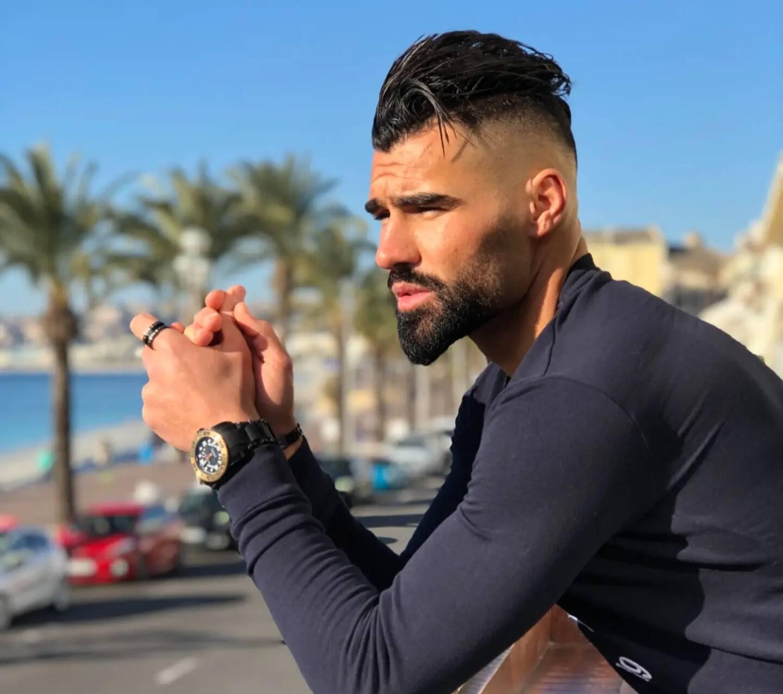 L'ancien footballeur professionnel et sa compagne la Varoise Shanna Kress cumulent plus de cinq millions de followers sur leurs réseaux sociaux.