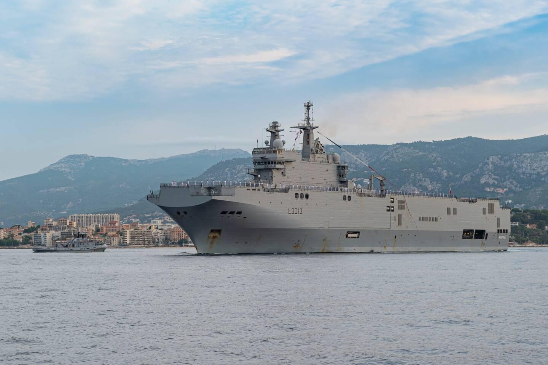 La mission Jeanne d'Arc vient conclure le cycle de formation des officiers-élèves de l'école d'application des officiers de marine (EAOM), en effectuant un premier déploiement à la mer loin, longtemps et en équipage.