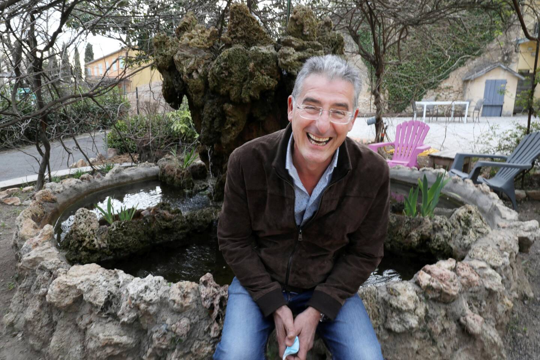Parmi les lieux spécialement appréciés du Campus, la fontaine: elle aurait, raconte Frédéric Sastrel dans un grand sourire, des propriétés positives!