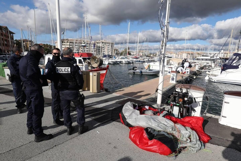 Le pilote s'est écrasé sur le quai C du Port.