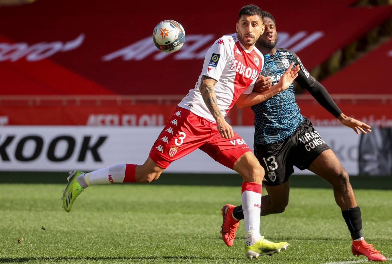 L'AS Monaco mené à domicile par Lorient, à la mi-temps, ce dimanche.