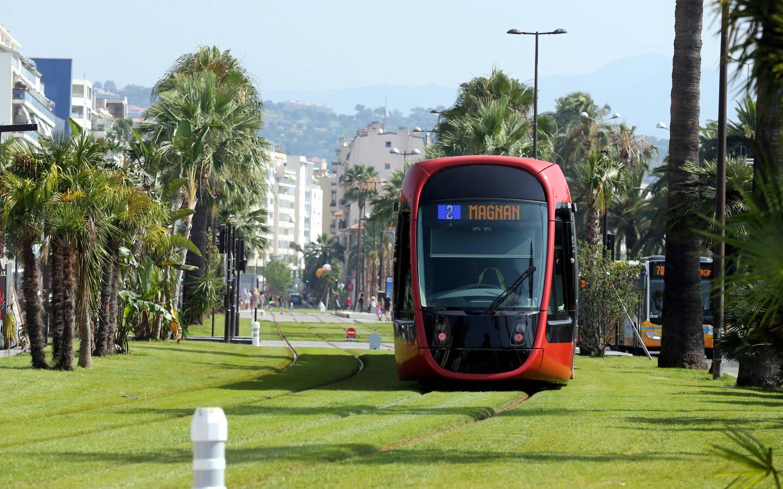 La ligne 2 du tramway à Nice.