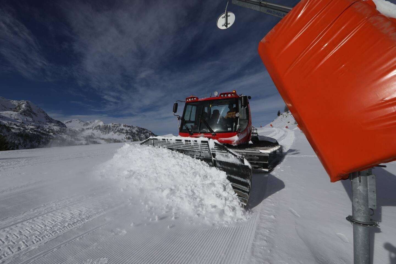 En attendant une possible réouverture des stations française le 7 janvier 2021 (sous conditions), le Premier ministre s'est engagé à soutenir les professionnels de la montagne, du sport d'hiver et les stations de ski.
