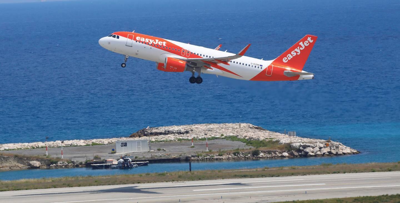 Un avion EasyJet à l'aéroport de Nice.