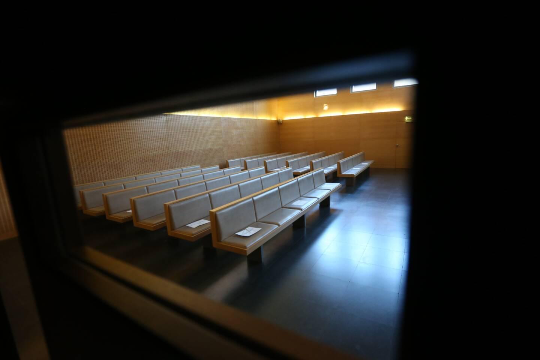 Une salle d'audiences du Tribunal judiciaire au palais de justice de Grasse