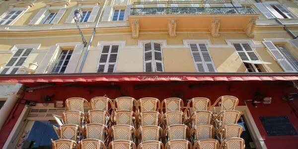 Un restaurant fermé sur le cours Saleya, à Nice. Illustration.