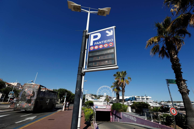 Le parking du Pantiero à Cannes propose 3 heures de stationnement gratuites le samedi et le dimanche.
