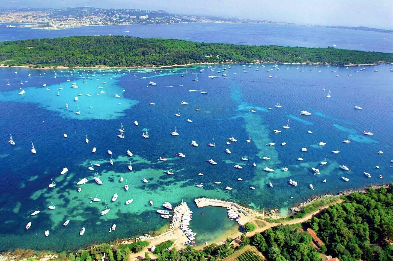 """Ce samedi 1er mai 20h50 est programmée sur France 5 l´émission """"échappées belles"""" qui traitera des îles françaises de la Méditerranée."""