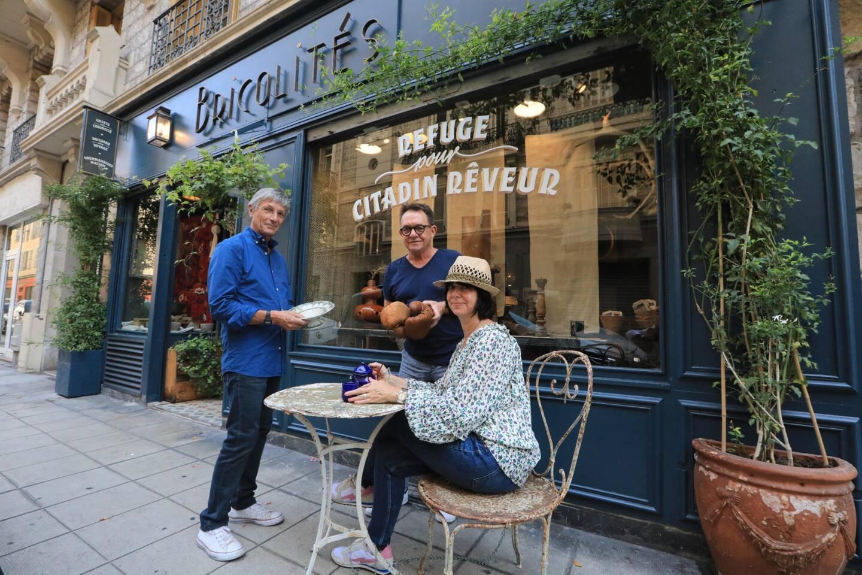 Bricolités, rue de Paris, à Nice. Emmanuel Bouvier-Müller avec ses deux acolytes.