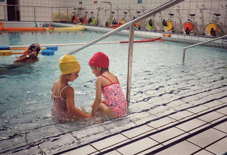 Les mineurs peuvent désormais nager en intérieur