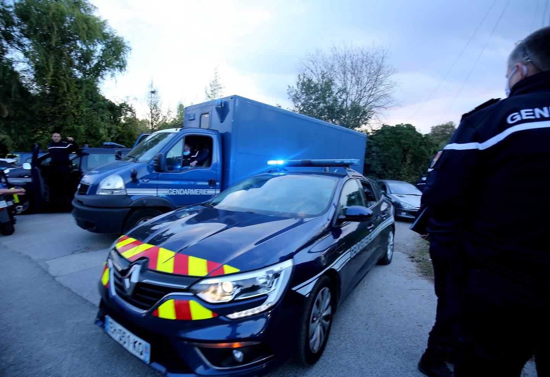 Des véhicules de la gendarmerie.