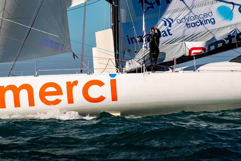Officiellement, Sébastien Destremau est toujours en course. Mais la succession de problèmes techniques plus ou moins résolus ces dernières semaines ont trop fragilisé « Merci » pour qu'il envisage d'aller plus loin dans le Vendée Globe.