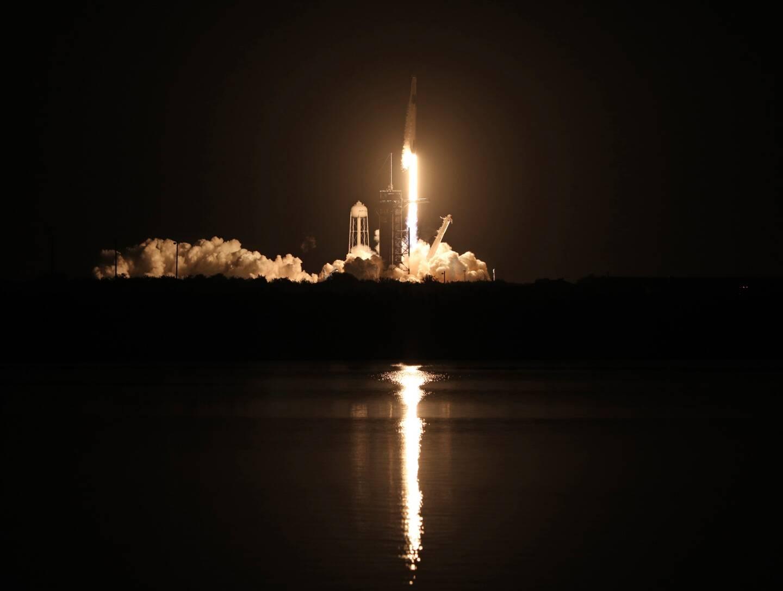 Une fusée SpaceX au décollage en Floride, le 15 novembre 2020.