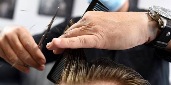 Les salons de coiffure des galeries commerciales pourront bien rouvrir ce mercredi.