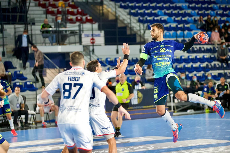 Pour son dernier match de l'année 2020 à domicile, le Saint-Raphaël Var Handball s'est imposé ce soir face à Toulouse sur le buzzer (30-29) lors de la 13e journée de la Ligue nationale de handball (LNH).