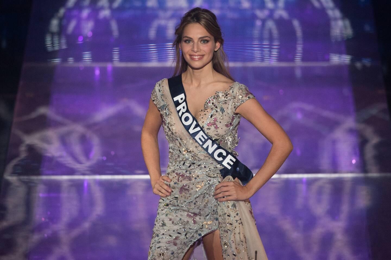 April Benayoum lors de l'élection de Miss France 2021, au Puy-du-Fou, samedi 19 décembre.