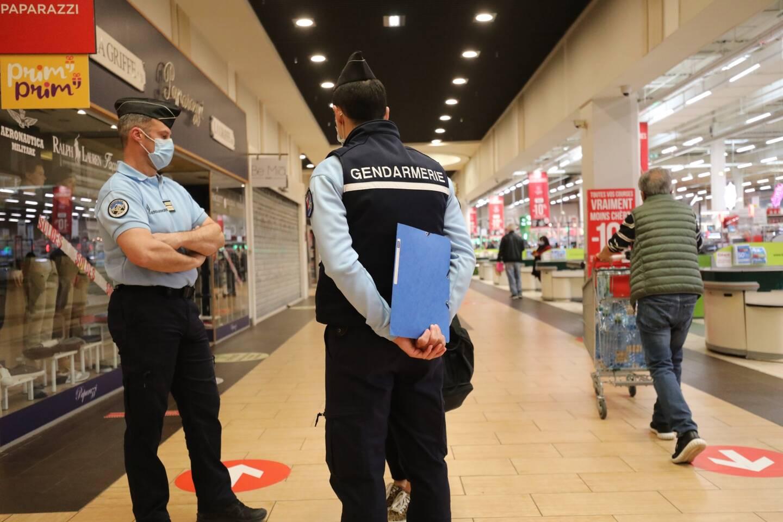 Une cinquantaine de gendarmes de la compagnie de Cannes sont mobilisés chaque jour pour procéder à des contrôles sur le secteur.