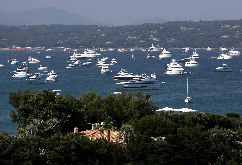"""L'exemple de l'île de Porquerolles a été donné, où """"jusqu'à 500 bateaux ont été comptabilisés certaines nuits, cet été""""."""