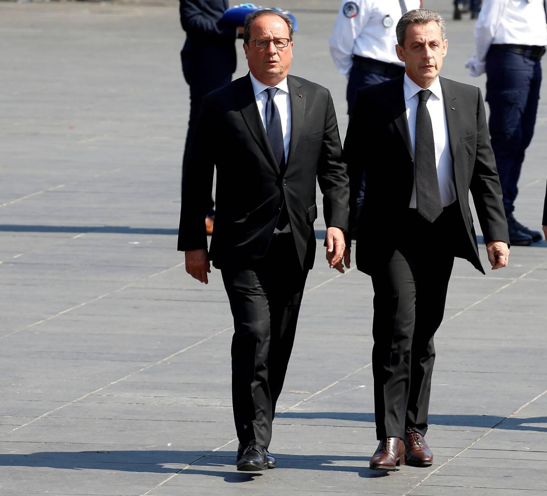 François Hollande et Nicolas Sarkozy le 14 juillet 2017 à Nice lors de la commémoration en hommage aux victimes de l'attentat de la Promenade des Anglais.