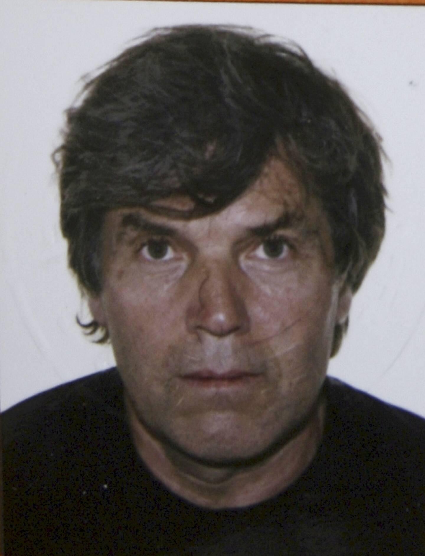 Michel Lambin, déjà condamné pour un assassinat et accusé par plusieurs témoins d'une série de meurtres aujourd'hui prescrits, avait écopé en décembre 2017 à Nice d'une peine de réclusion à perpétuité, assortie de 22 ans de sûreté, pour le meurtre d'un gardien d'école.