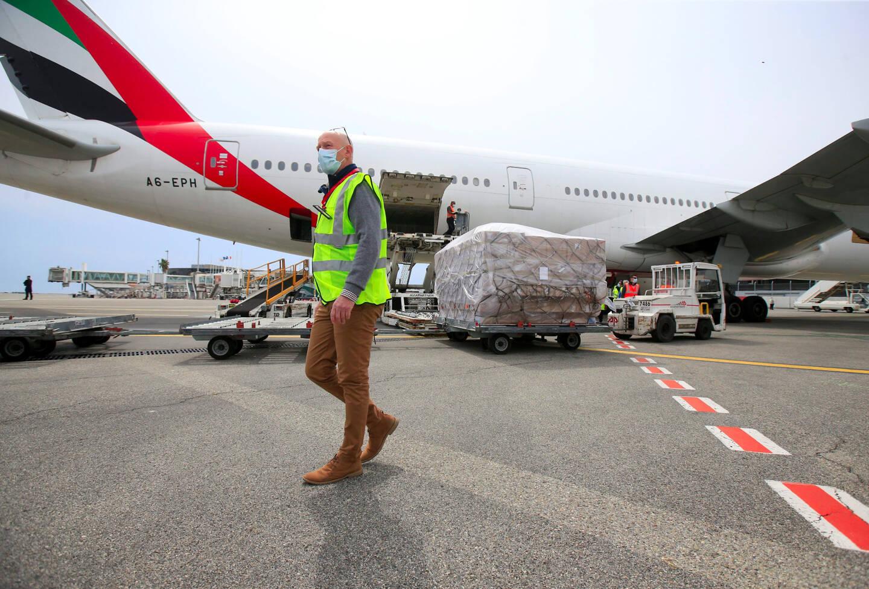 L'avion cargo est arrivée depuis la région du Canton, en Chine, le 13 avril, avec 25 tonnes de matériel médical à destination des soignants.