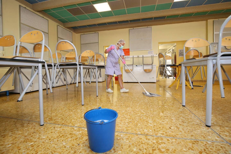 Alertée par Philippe Touzeau-Ménoni, élu d'opposition, la Ville a remplacé les savons par des crèmes lavantes (illustration).