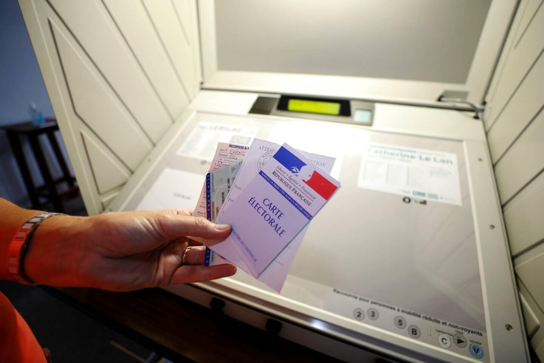 Un vote électronique lors des dernières élections municipales à Vence.