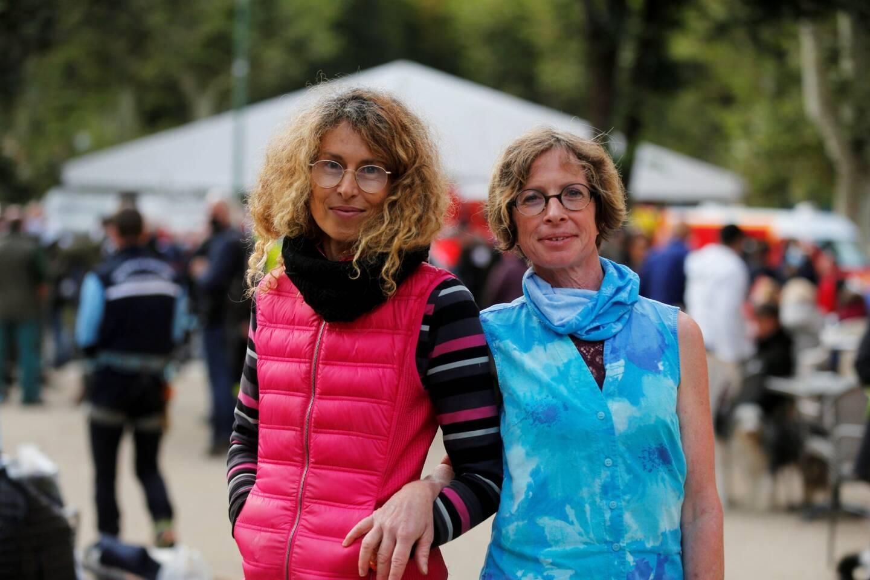 Véronique Luddeni (à gauche), vétérinaire du Mercantour.