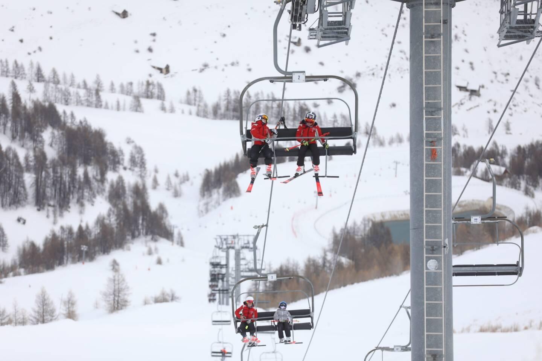 Privées de remontées mécaniques, les stations de sports d'hiver diversifient leurs activités.