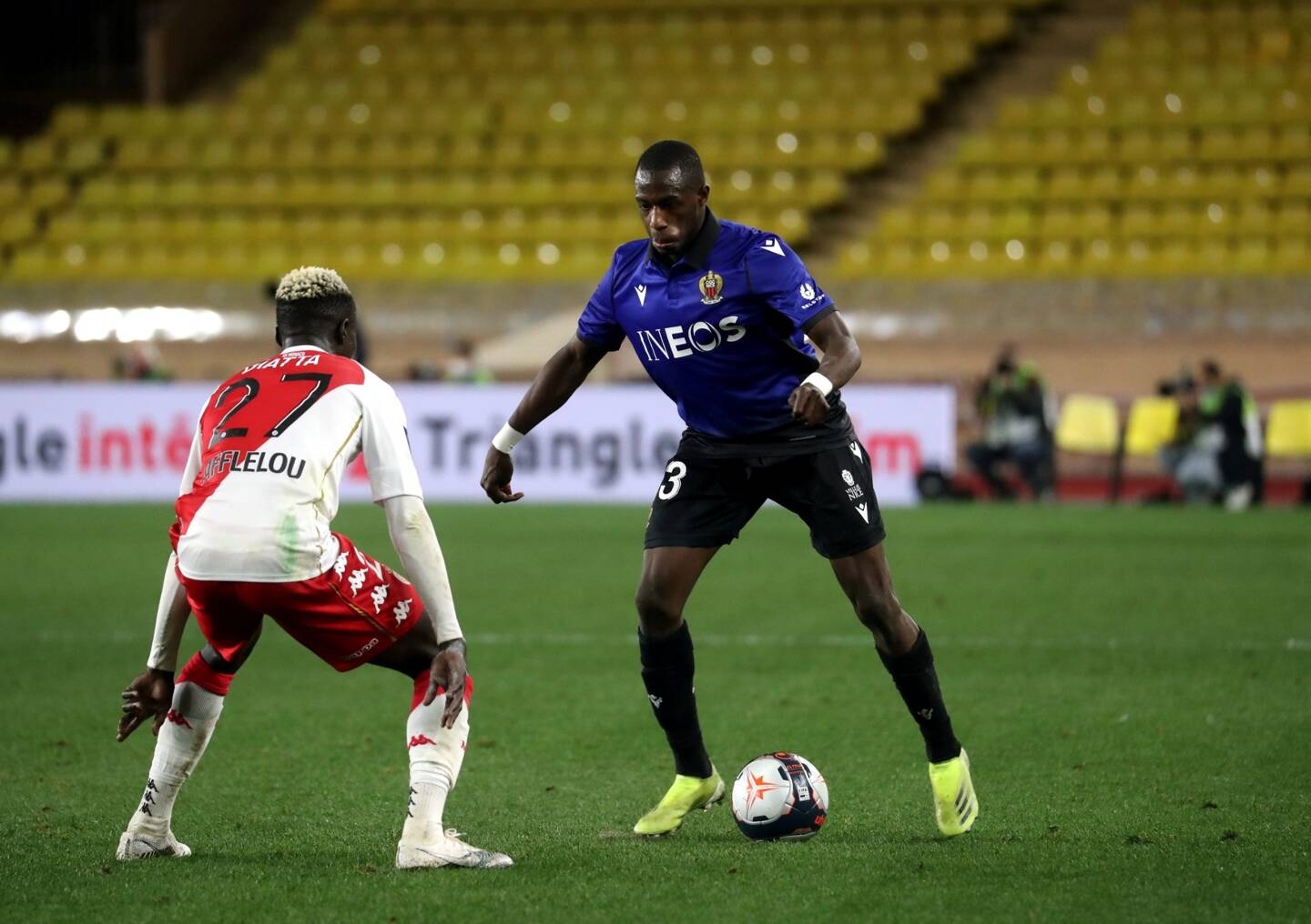 Youcef Atal forfait de dernière minute, Stanley Nsoki derrière et Hassane Kamara (photo) devrait occuper le côté gauche de l'attaque.