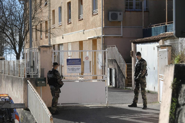 Gendarmes et pompiers sur place au site d'hébergement Orméa de Sainte-Agnès.