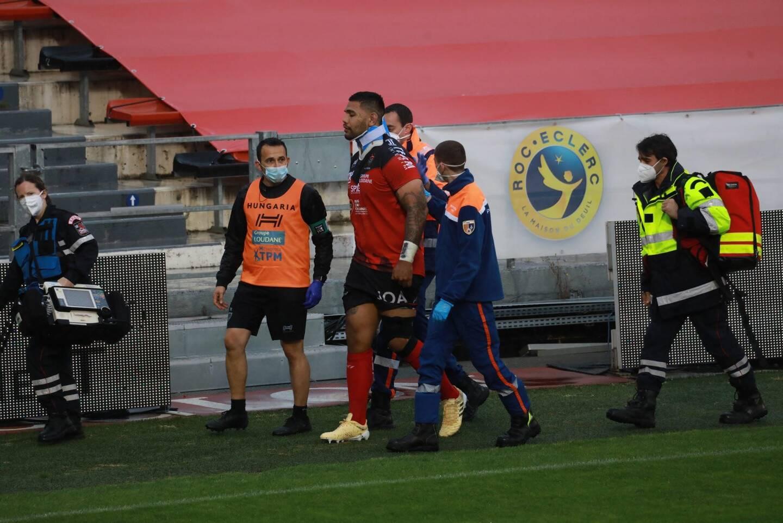 Touché lors d'une mêlée dès le début du match face à Agen en Top 14, samedi dernier, Romain Taofifenua souffre d'une entorse cervicale.