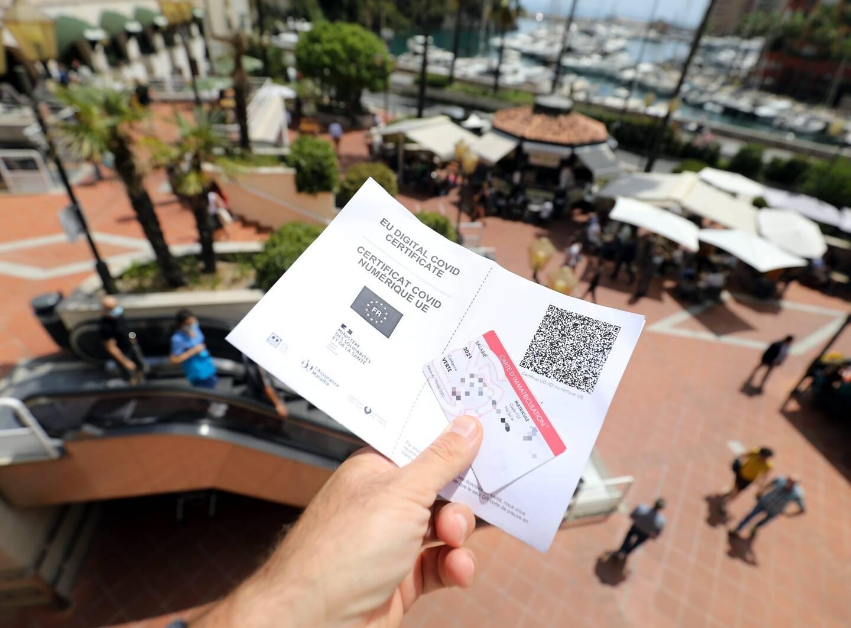 Dès le 23 août, les Monégasques, résidents et salariés devront aussi présenter le pass sanitaire à l'entrée des bars et restaurants.