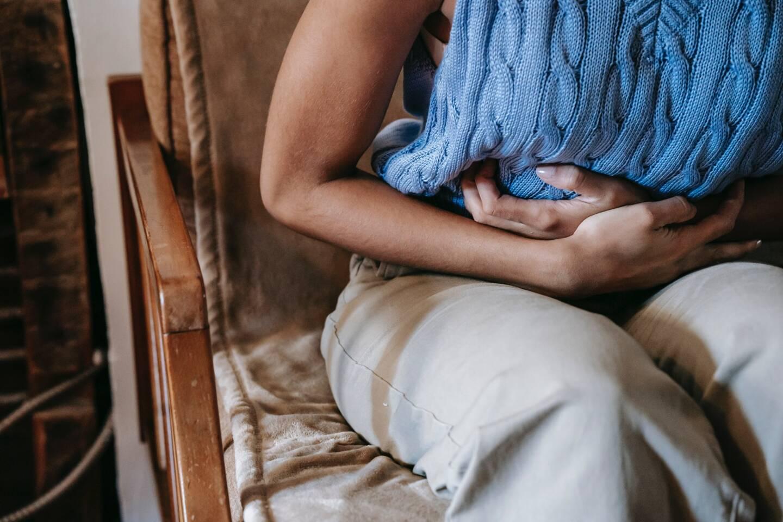 La recrudescence des symptômes en période de règles peut mettre sur la voie de l'endométriose.