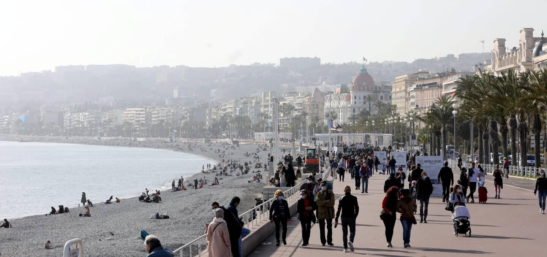 Après un hiver sous cloche, la Côte d'Azur espère retrouver une fréquentation au moins semblable à celle de l'été dernier.