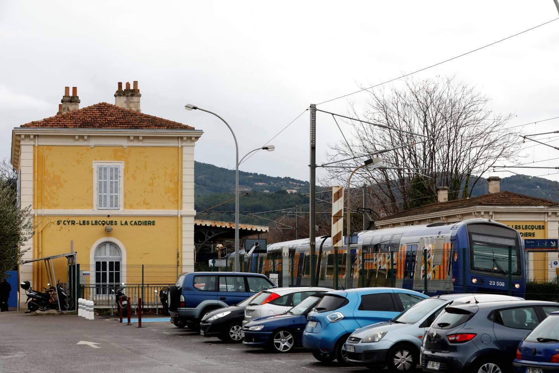 """Suivant un choix de """"logique d'aménagement"""", la nouvelle gare RER de l'ouest-Var sera construite à Saint-Cyr en partie sur le domaine Château Pradeaux."""