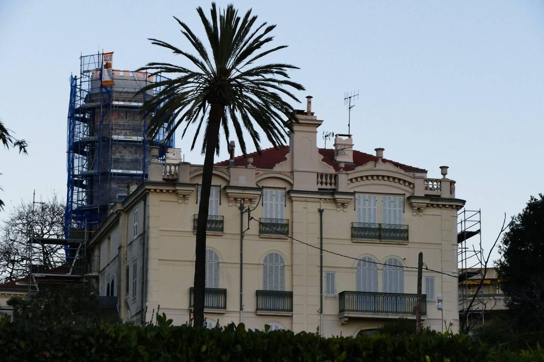 Le château de la Pinède est actuellement en rénovation.
