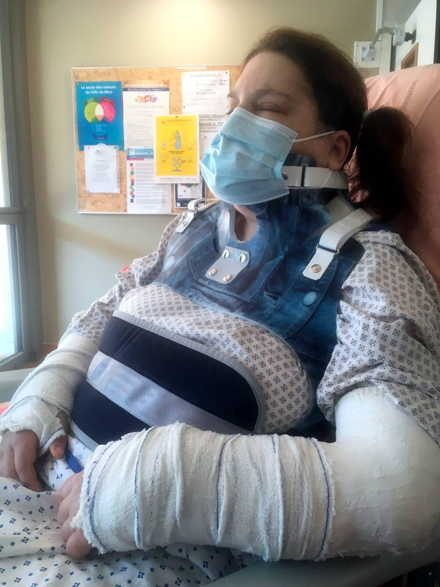 Aveugle et atteinte d'un cancer, Françoise a été retrouvé gravement blessée dans sa chambre. Un mystère pour sa famille