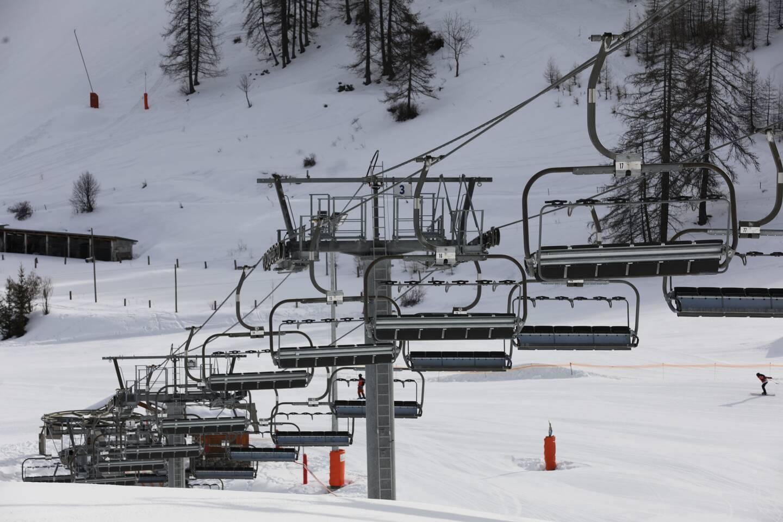 Auron (ici) et Isola 2000 sont les seuls domaines skiables des Alpes-Maritimes partiellement ouverts et accessibles exclusivement à un certain public de skieurs.