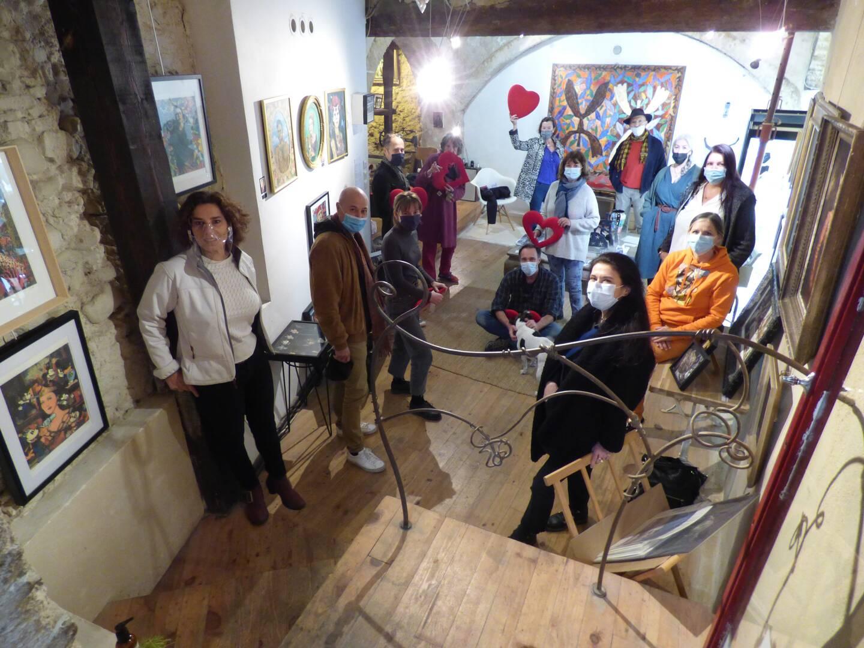 L'expo de la Saint-Valentin et ses créateurs. (Photo L.Q.)