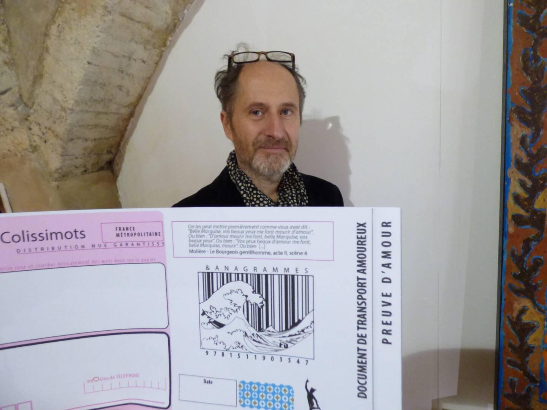 Les cartes postales «Colissimots» pleins de  tendresse de Gabriel Fabre (Photo L.Q.)