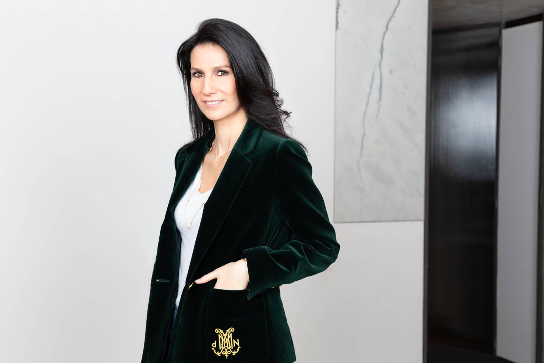 Marie Drucker présentera Au bout de l'enquête, la fin du crime parfait ? à partir de samedi sur France 2.