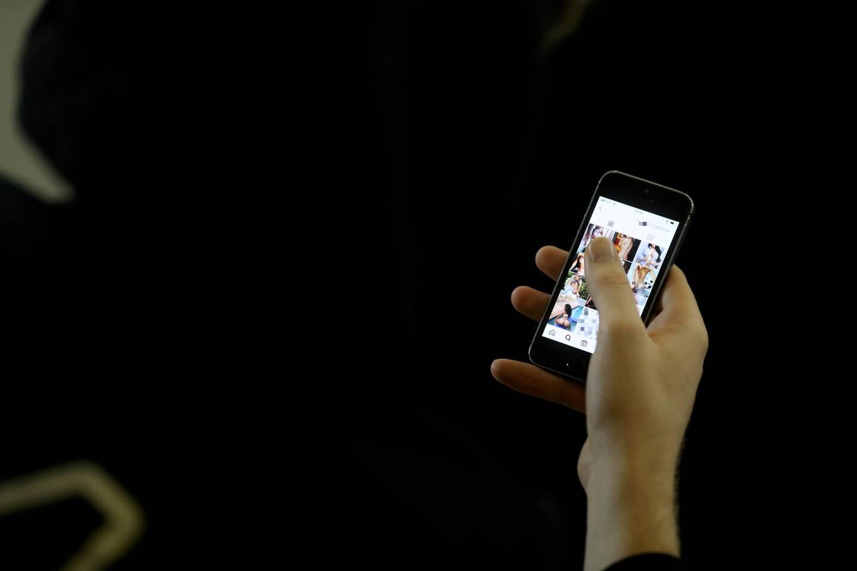 Les réseaux sociaux sont souvent la porte d'entrée vers les images pornographiques.