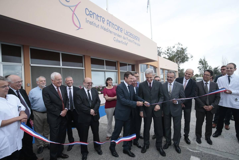 L'inauguration de l'Institut Méditerranéen de ProtonThérapie (IMPT) sur le site Ouest en juin 2016. Le Centre Antoine Lacassagne est alors dirigé par le Pr Joël Guigay.