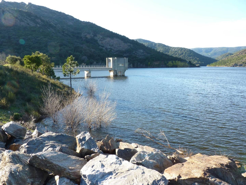 Le barrage de La Verne sur la commune de La Môle.