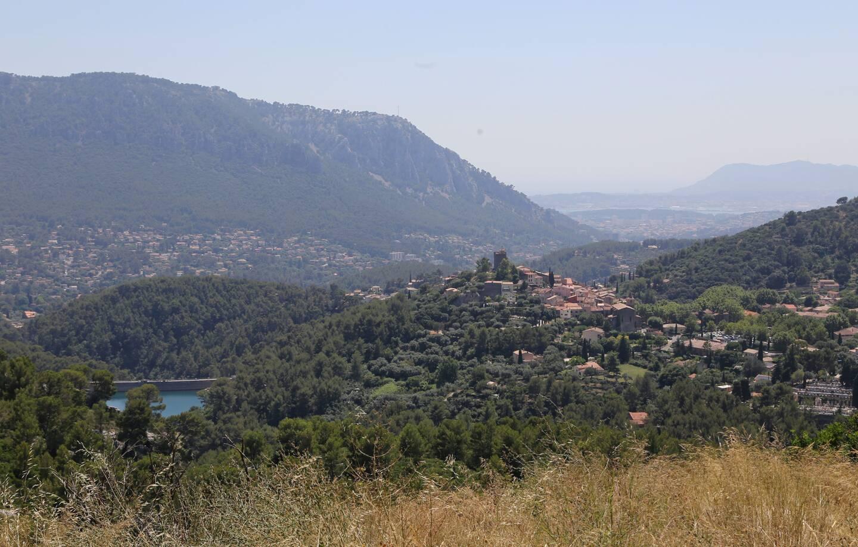 Les faits ont eu lieu à l'écart du village du Revest.