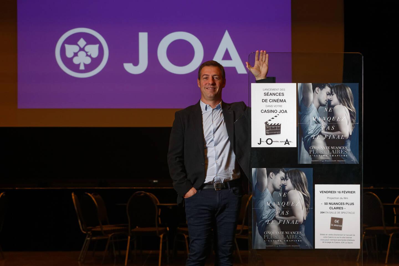 En 2018, Dylan Peyras, directeur du casino Joa, avait noué un partenariat avec Ciné 83 pour des diffusions ponctuelles. À la demande de la Ville, il monte un nouveau dossier pour obtenir les autorisations permettant de proposer des projections régulières.