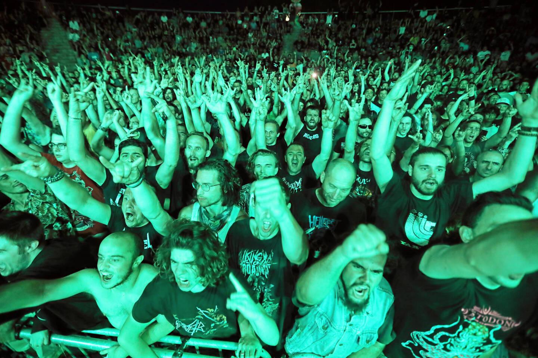 Difficile d'imaginer le public de la soirée metal de l'événement (ici pour Soulfly en 2018) se retrouver assis...