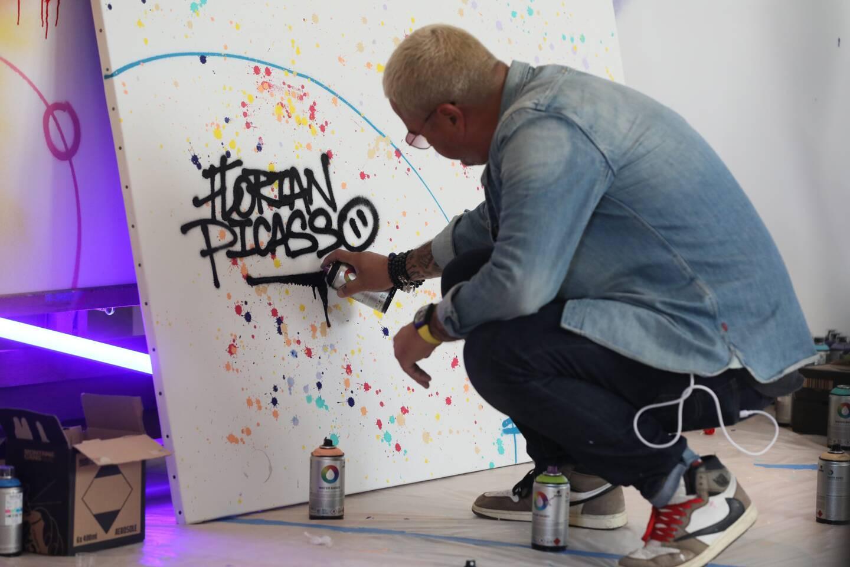 L'artiste Cyril Kongo pour accompagner Florian Picasso à la villa Picasso à Cannes