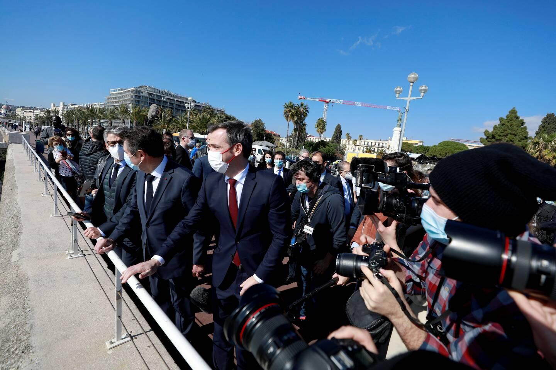 La visite du ministre de la santé, Olivier Véran, samedi à Nice, et les annonces du préfet, hier, ont provoqué de fortes dissensions chez les élus locaux.
